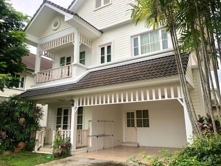House for rent near NIS International School, only 5 mins away.