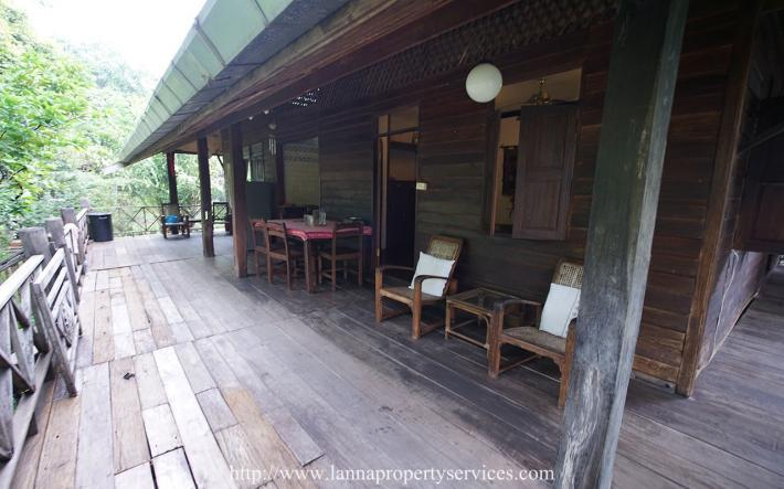 Teak wood house for rent near Grand canyon hang dong.